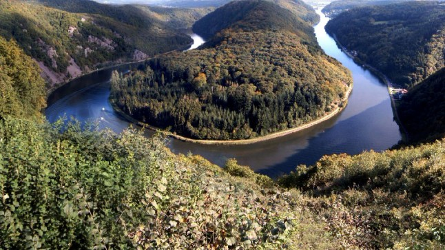 River Saar&#039;s famous bend near Mittlach, Saarland, Germany. Photo by Niesefrosch at Wikipedia; CC-BY-SA.