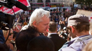 Julian Assange in London. Photo by Eduardo Carrasco.