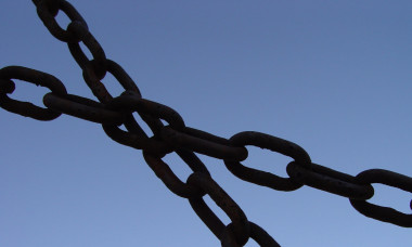 link-chains-photo-by-scott-robinson-flickr-ccby