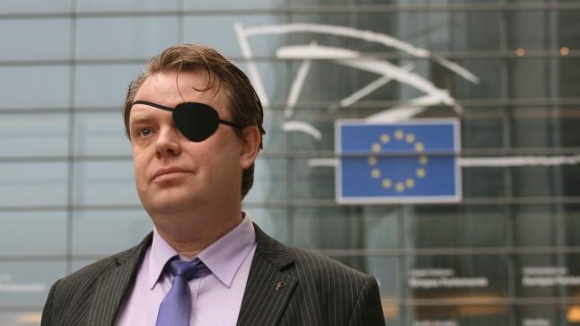 Rick Falkvinge in front of European Parliament