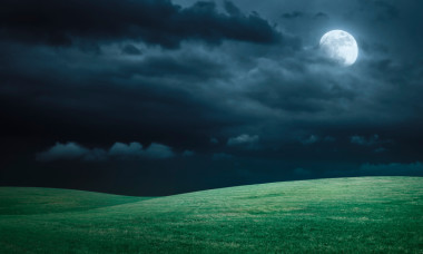 moon-1280x720-istockphoto